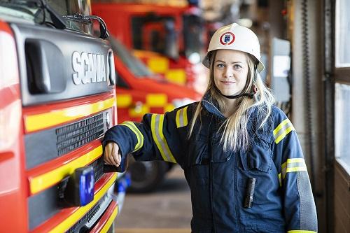 En kvinnlig brandman